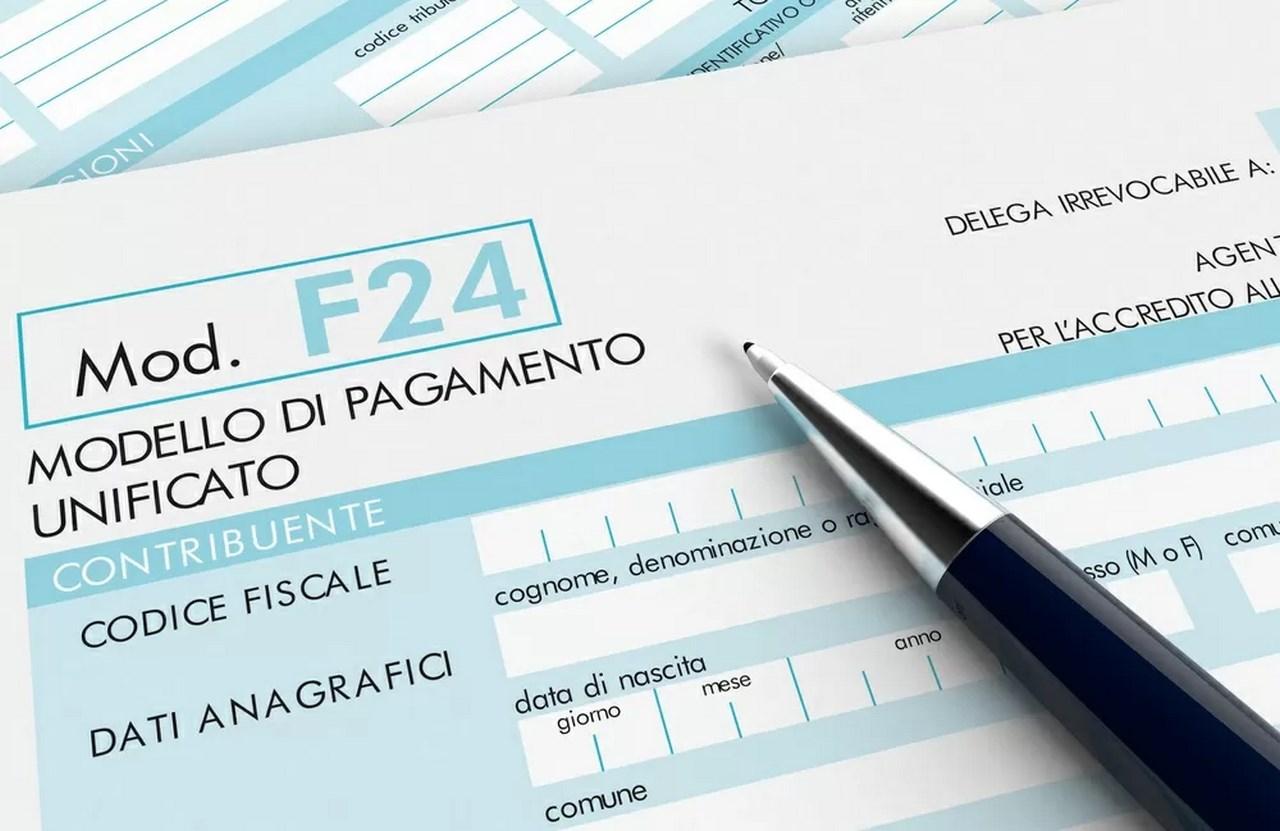 F/24: pagamento in contanti